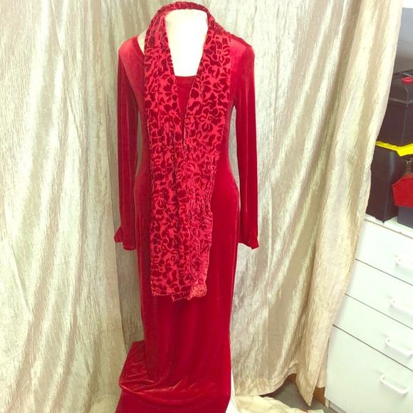 BCBG Dresses & Skirts - Bcbg - RED VELVET DRESS W/SCARF
